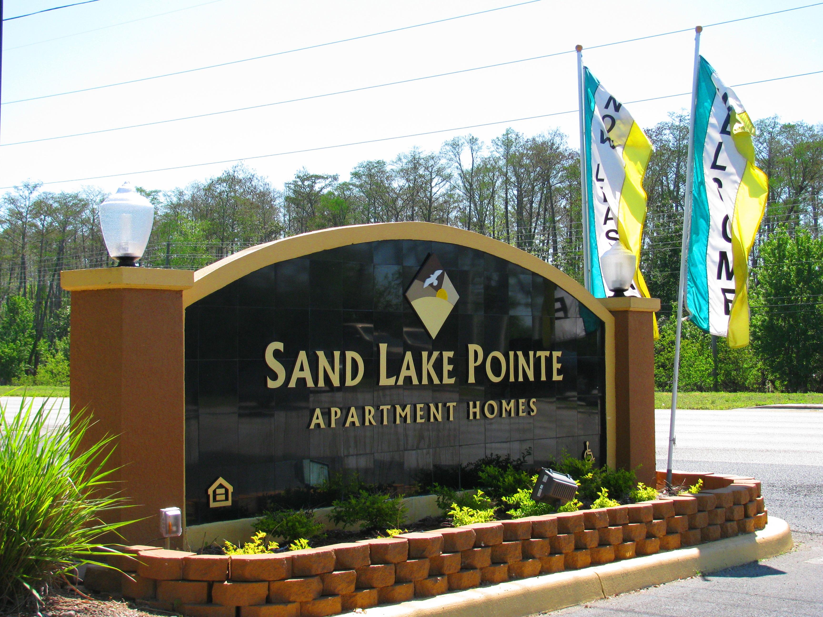Sand Lake Pointe Apartments