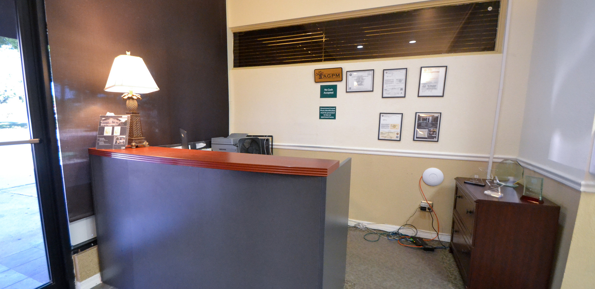 Executive Suites Office Rentals Reception Area Photo