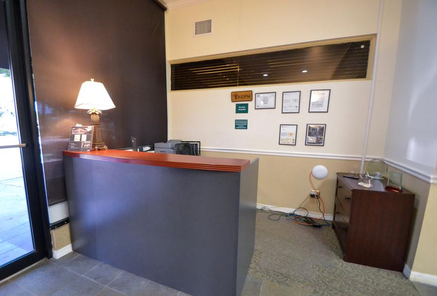 Executive Suites Office Rentals Reception Area Photo