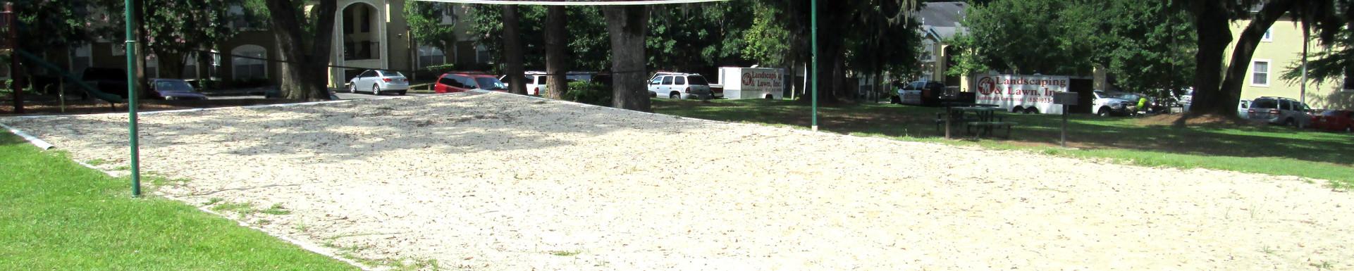 Glen Oaks Apartments Volley Ball Court