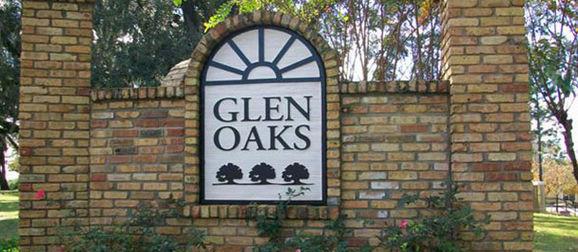 Glen Oaks Apartments Sign