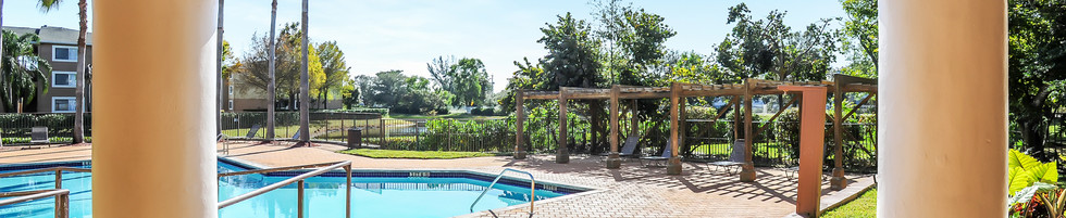 Congress Park Exterior Swimming Pool