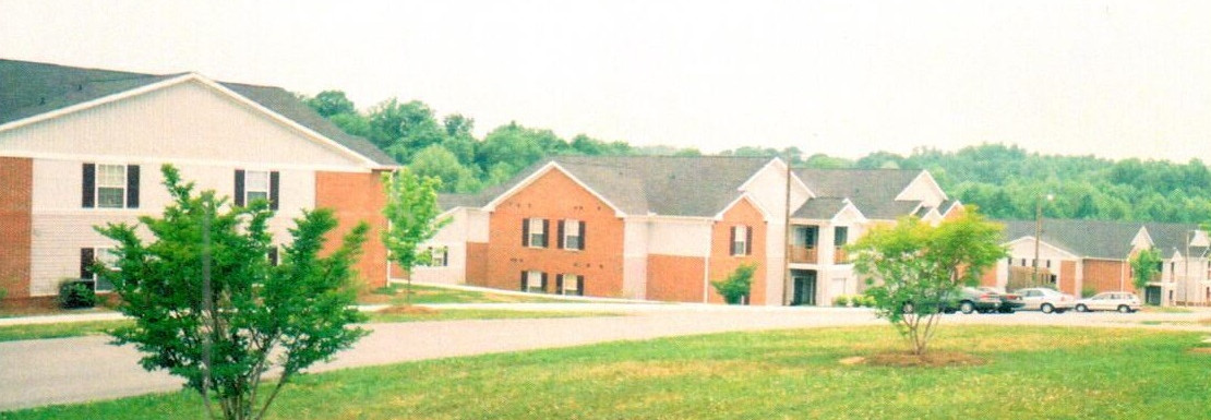 Sterling Trace Apatments Building Exterior
