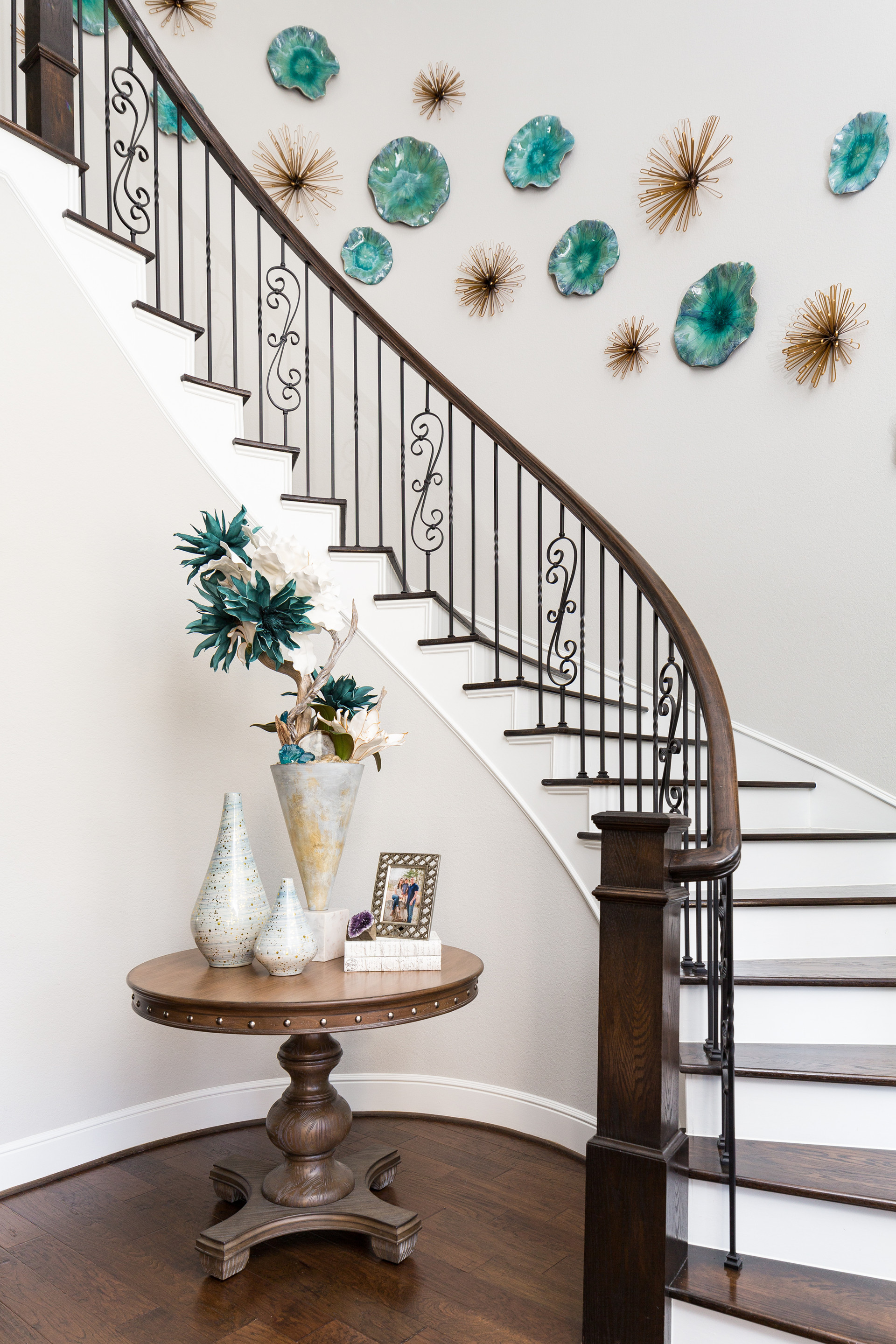 Curved Staircase Decor