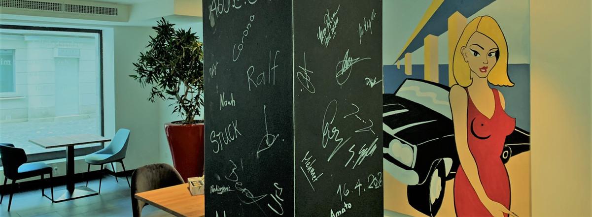 signature säule im restaurant