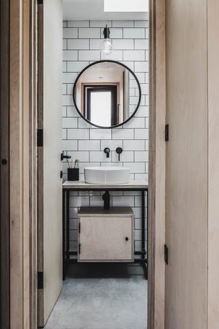 Ayr_Family_Cabin_Bathroom_Interior
