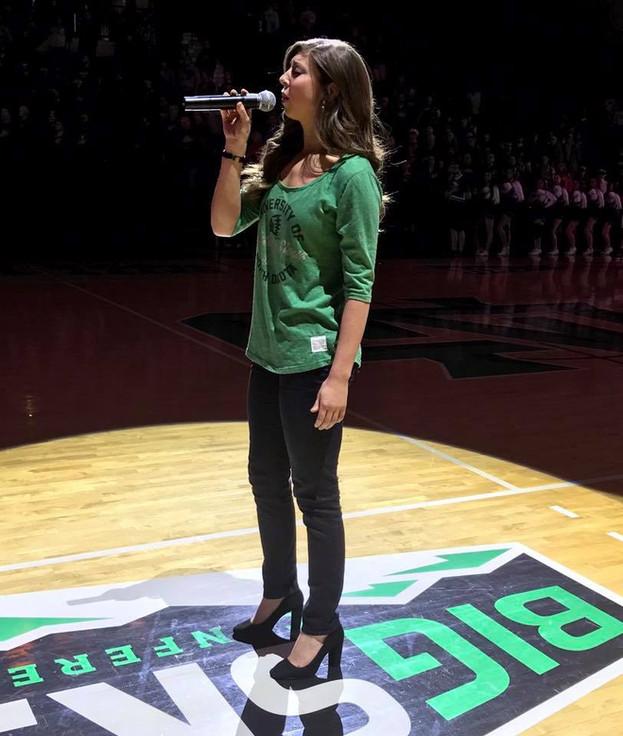 National anthem und basketball.jpg