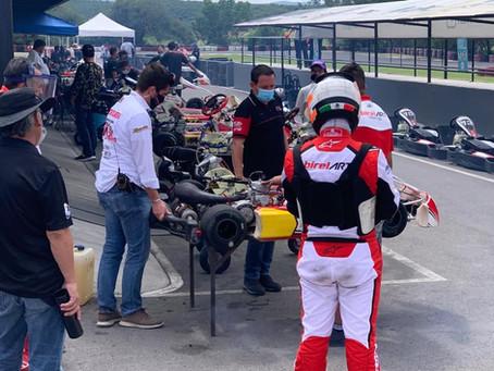 Equipo Fórmula Karts apoyando en Karting Querétaro