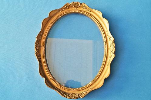 Ziervoller, ovaler Rahmen (ohne Fehlstelle)