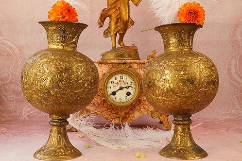 ALTE MESSING ASIATIKA! Edles Vasenpaar mit reicher Ziselierung