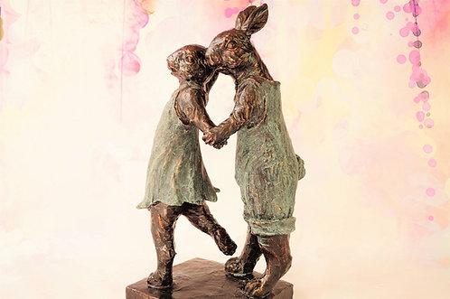 43 cm HÖHE!!! Tanzende Hasen im traumhaften Bronze-Design