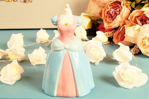 BE A PRINCESS! Geniale Sparkasse in Form eines Prinzessinnenkleids – ca. 15,5 cm