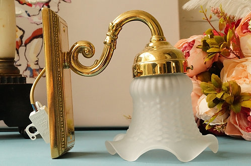 HOCHWERTIG & ELEGANT! Wandleuchte / Lampe aus Messing mit weißer Blüte