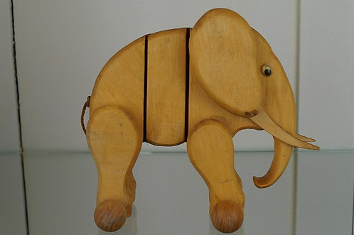 Altes Kinderspielzeug - Holzelefant!