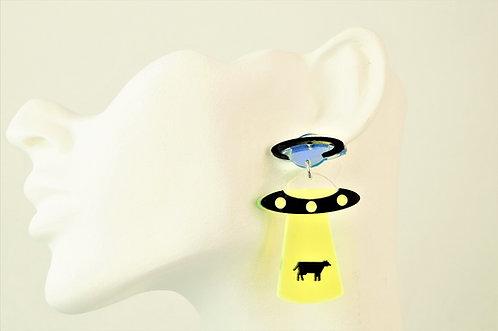 Acryl-Kunst - Aliens entführen eine Kuh Ohrringe