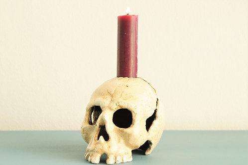 Totenkopf - Kerzenständer aus Gusseisen