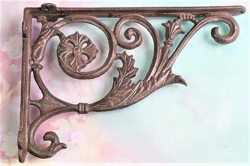 Dekorative Regalstützen im Vintagelook aus Gußeisen