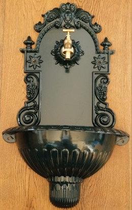 BASSENA aus ALUMINIUMGUSS!!! Wandbrunnen im antiken Design