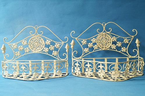 Elegante, neue Wandkörbe aus Eisen im Stil der Belle Époque
