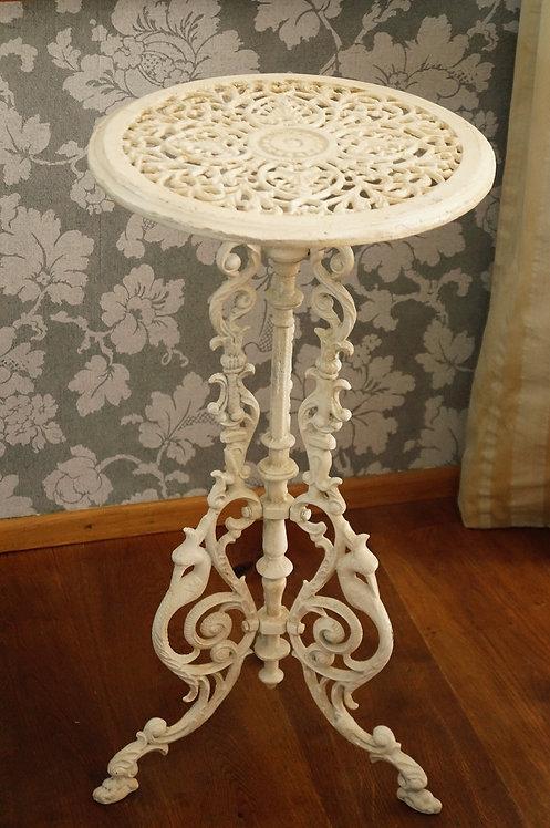 Herrschaftlicher, hochwertiger Tisch aus Gusseisen / Blumentischerl