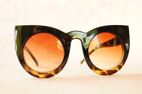 Sonnenbrille im angesagten Retro-Look