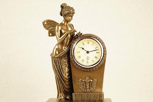 Nostalgische Uhr im Empire-Design mit Psyche – ca. 16 x 27 cm