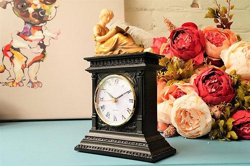 Nostalgische Uhr im Empire-Design der Marke Taranis – ca. 15 x 24 cm