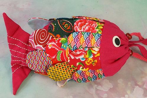 Handgemachter Fischbeutel – Upcycling kann Style haben! PINK