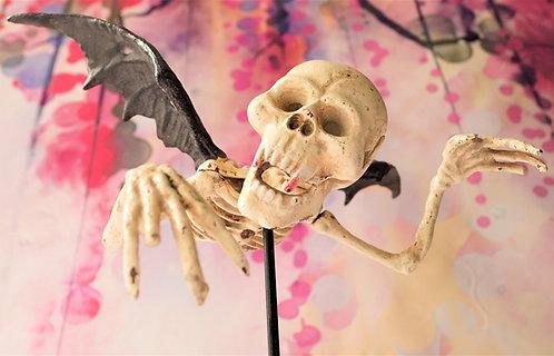 Außergewöhnlich! Handbemalte Vampir-Skelett-Skorpion-Skulptur aus Gusseisen!