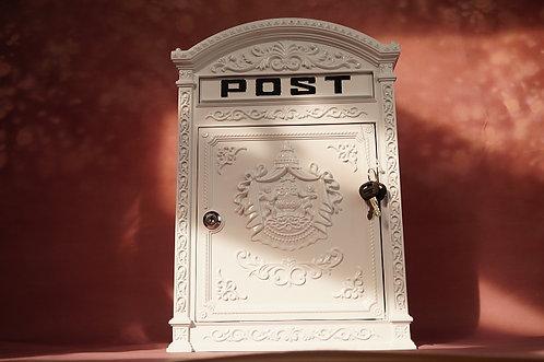 Amoretten! Großer, herrschaftlicher Postkasten mit Schloß! Nach altem Vorbild!