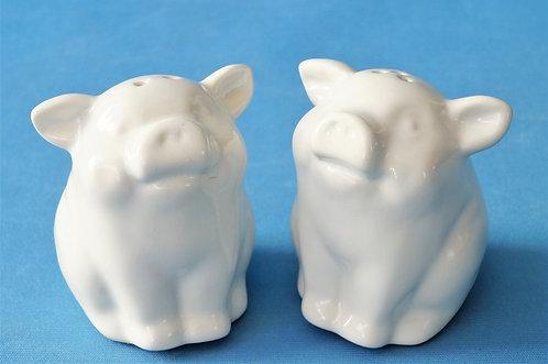 Zuckerschock! Geniale Schweinderl als Salz- und Pfefferstreuer