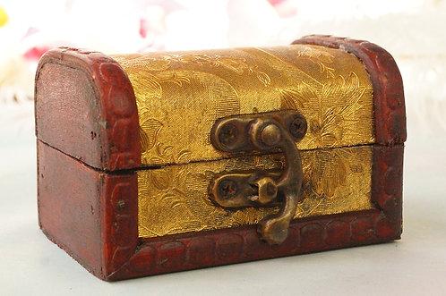HANDGEMACHTE, kleine BOX IM KOLONIALSTIL