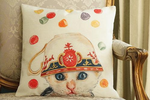 Polster / Kissen im verspielt kultigen Design – Katze mit Tassenhut