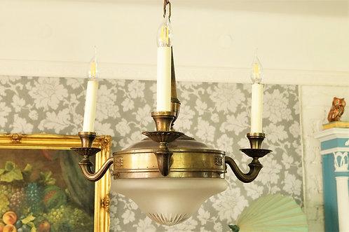 Originaler Vintage-Luster mit 3 Armen und eleganter Glaskuppel