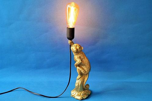 Stylisch und zuckersüß ist unsere Affenlampe aus Kunstharz.