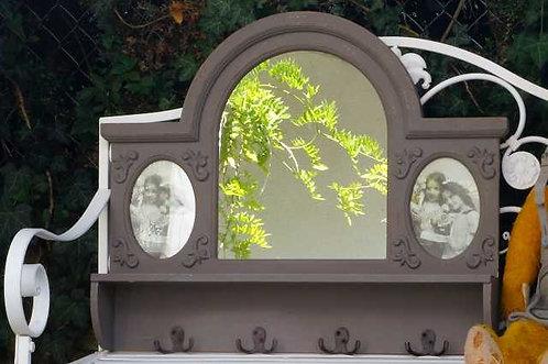 Grandiose Konsole mit Spiegel im französischen Landhausstil.