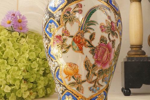 HANDBEMALTE ASIATIKA! Tolle, reich verzierte Vase!
