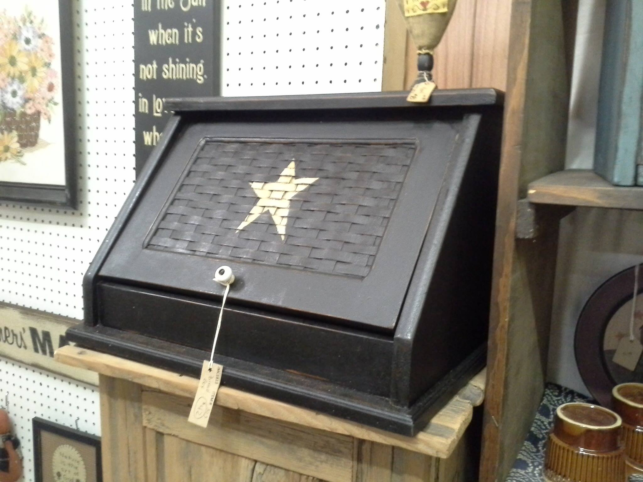 Star Bread Box