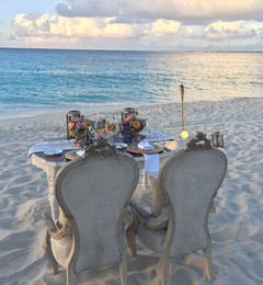 Romantic beachfront set-up