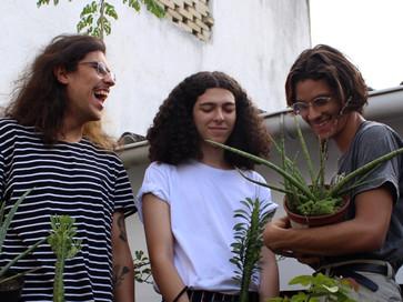 """Aquino e a Orquestra Invisível lança single duplo """"Transoceânica"""""""