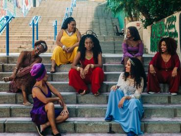 """Dandara Manoela celebra a força da união de mulheres negras em """"Pretas Yabás"""""""