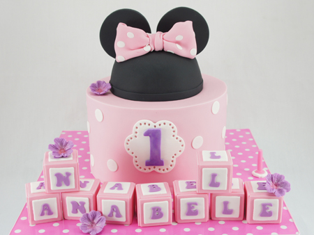 cakes-2-cupcakes-minnie-ears.jpg