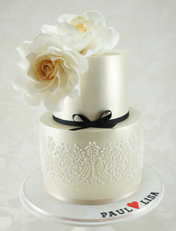 cakes-2-cupcakes-hand-piped.jpg