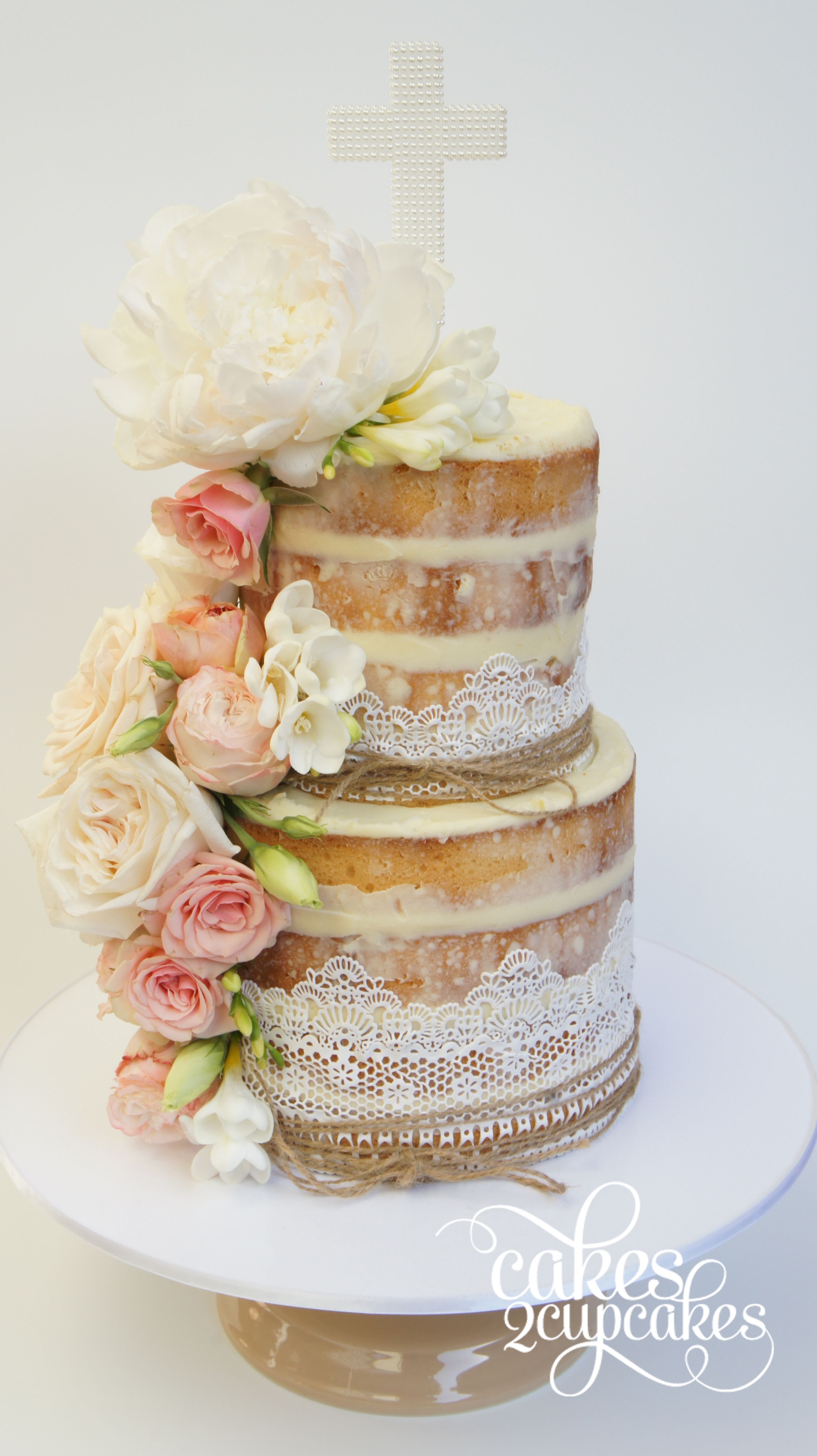 cakes2cupcakes-hessian-lace.jpg