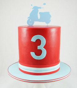 cakes-2-cupcakes-vespa.jpg