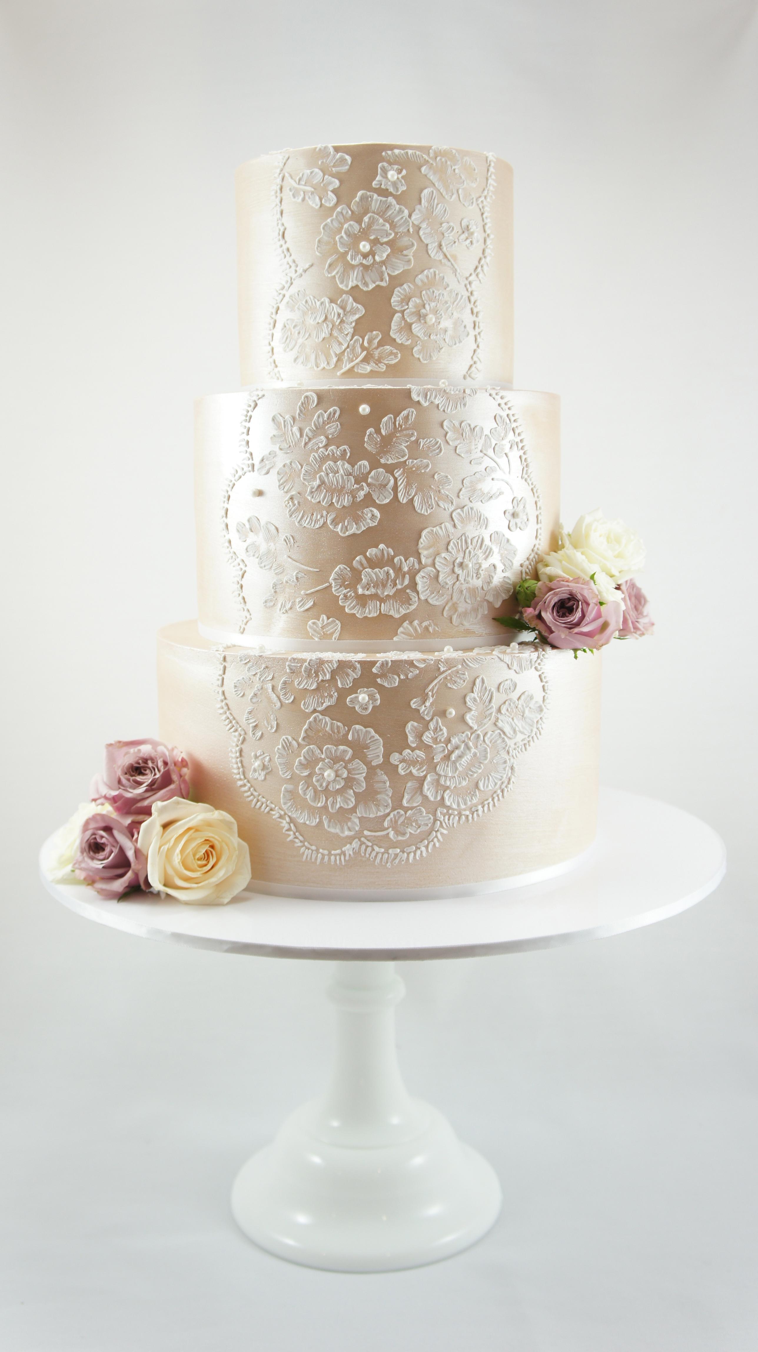 cakes-2-cupcakes-fresh-flowers.jpg