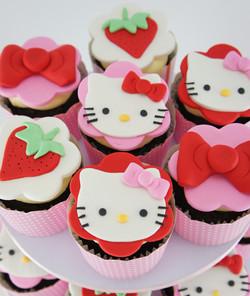 cakes-2-cupcakes-hello-kitty-cupcakes.jpg