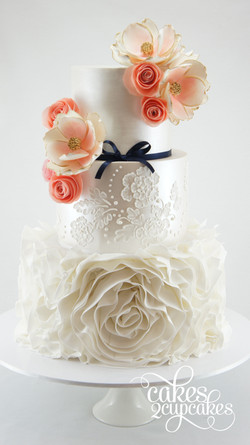cakes2cupcakes-lace-piping.jpg