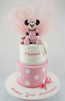 cakes-2-cupcakes-minnie-feathers.jpg