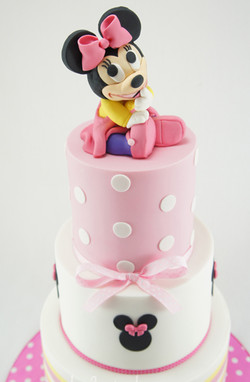cakes-2-cupcakes-baby-minnie.jpg
